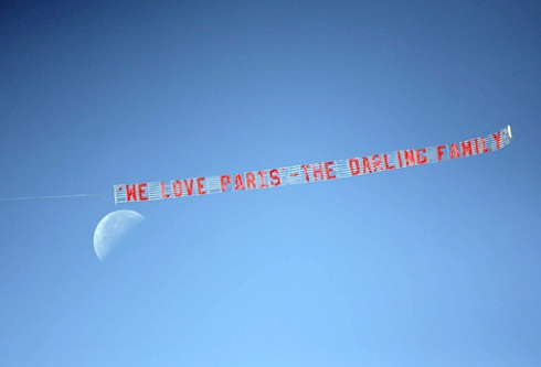 621875-skywriter-paris-supporters-hire-a-plane-with-a-b-5518550-jpg