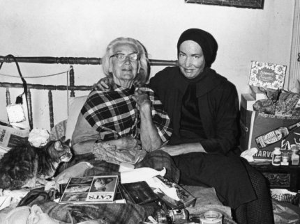 grey_gardens_little_and_big_edie_72946452_10
